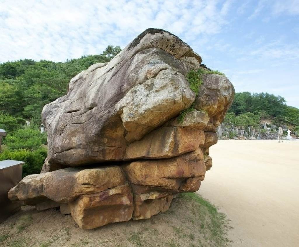 Wolmyeongdong